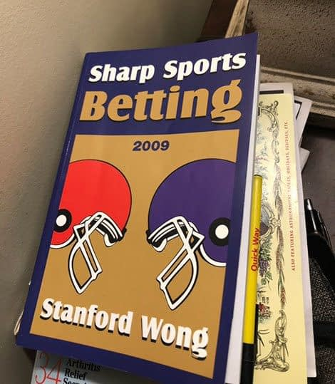 Sharp Sports Betting by Stanford Wong Book Cover